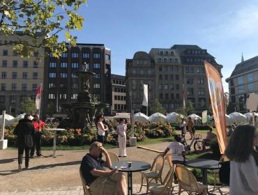 Der Corneliusplatz um 10:30Uhr...