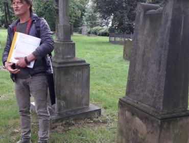 Am Grab der Familie Clasen....