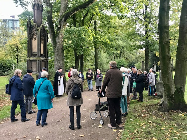 Allerseelen-Andacht 2019 auf dem Golzheimer Friedhof (s. Bildberichte)
